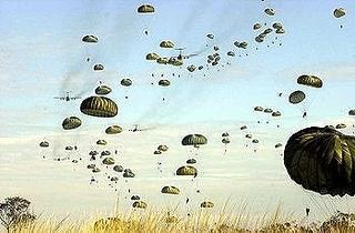 350px-US_paratroopers_jump_into_Australia.jpg